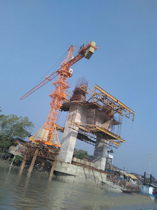 ACE Chassis Mounted Tower Crane for Bridge Construction