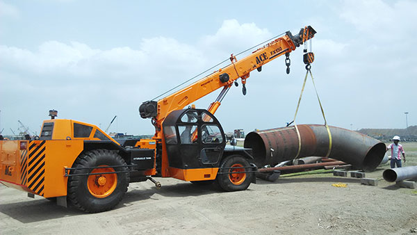 ACE Hydraulic Crane Lifting Steel Pipe