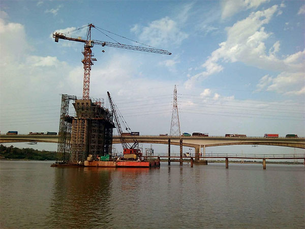 ACE Topkit Tower Crane for Bridge Making